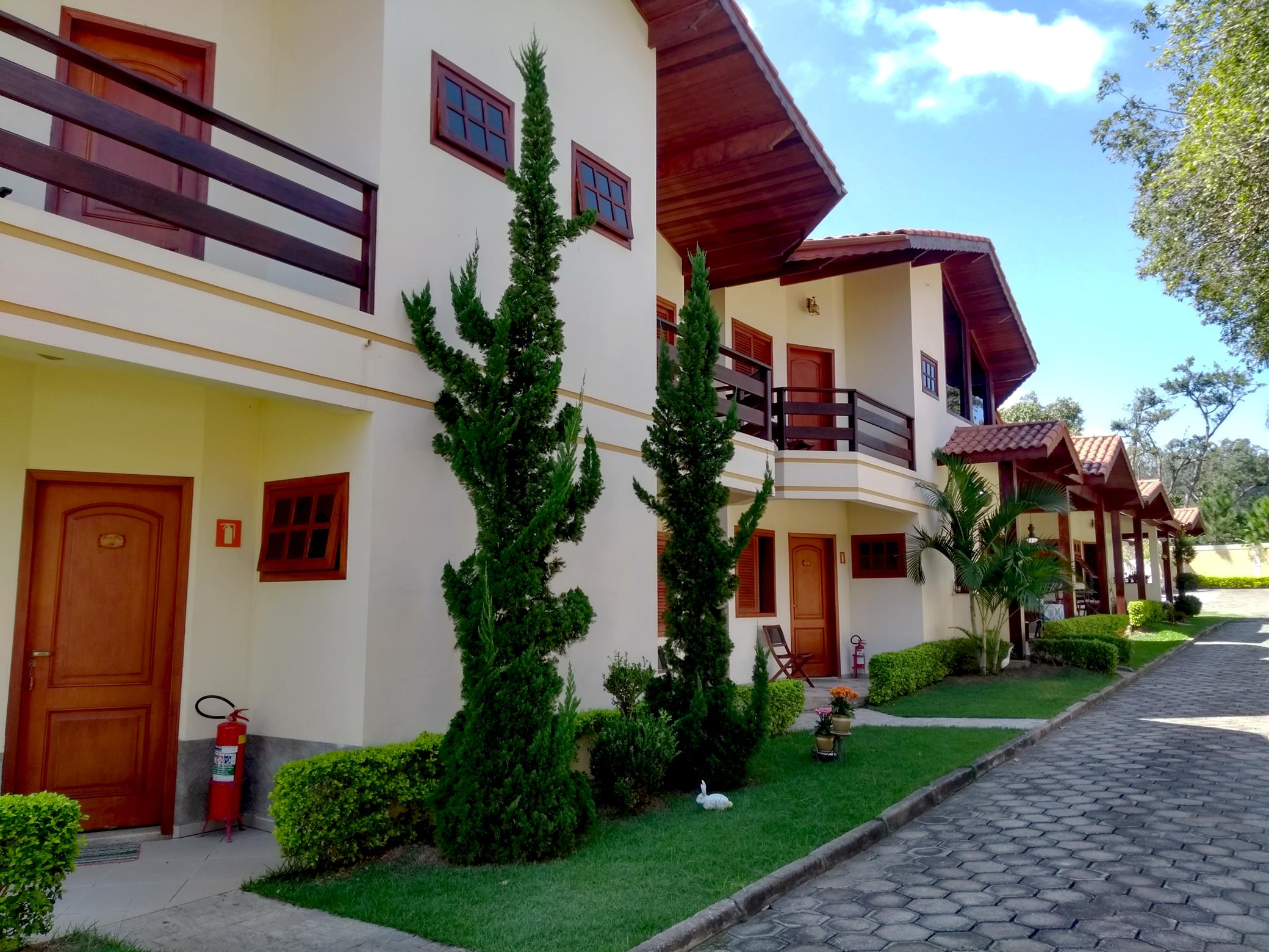Fachadas dos apartamentos da Pousada Quinta Nova
