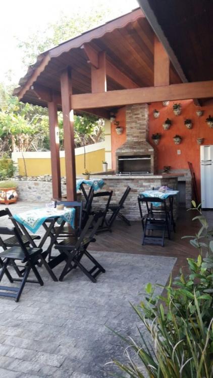 Área para churrasco e confraternizações